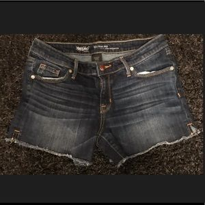Women's Mossimo Mid Rise Jean Shorts Size 8